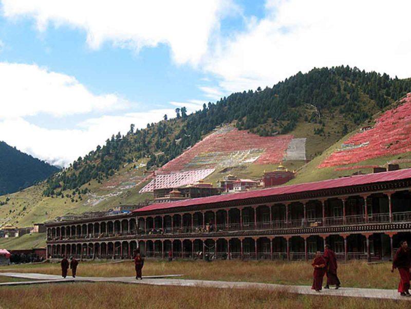 Dormitories at Sechen Monastery, Kham.