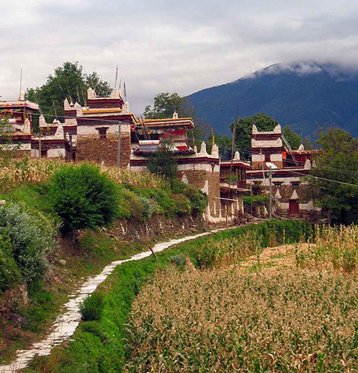Village homes in Jiaju, Kham.