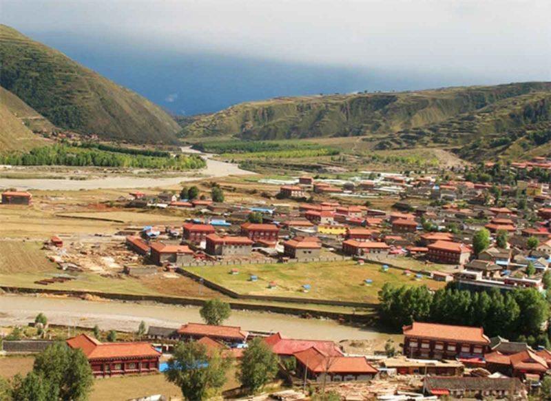 View over Kandze (also Ganzi or Garze)