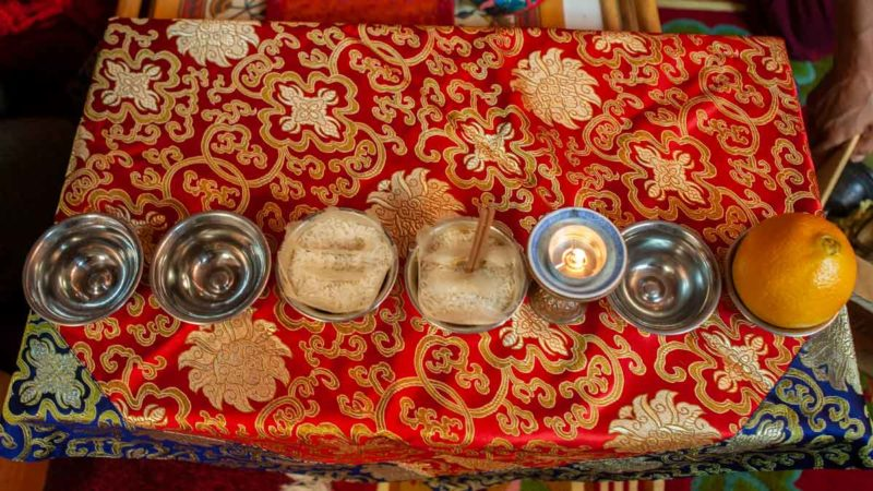 The eight offerings commonly used on Tibetan Buddhist shrines.