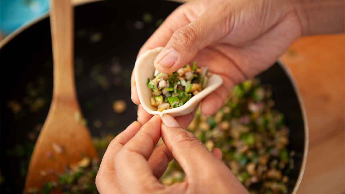 Making Veggie Monmo