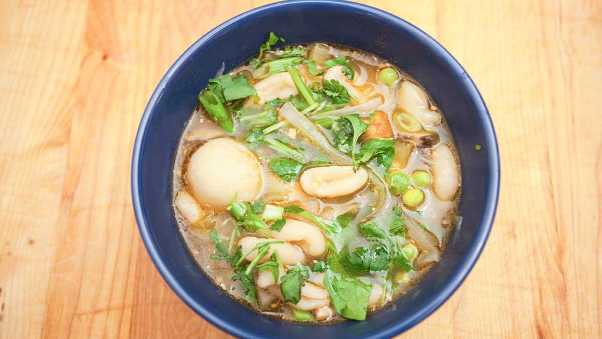 Lobsang's vegetarian version of guthuk.