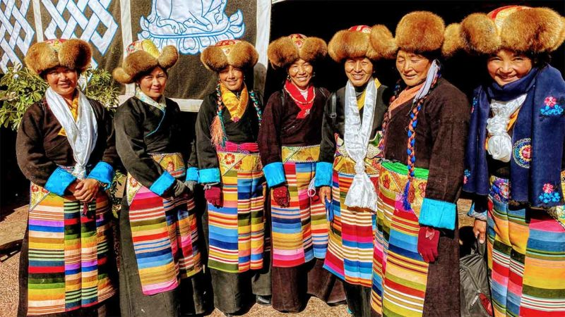 Tibet ladies in Tengye Ling: Lhasa Tibet