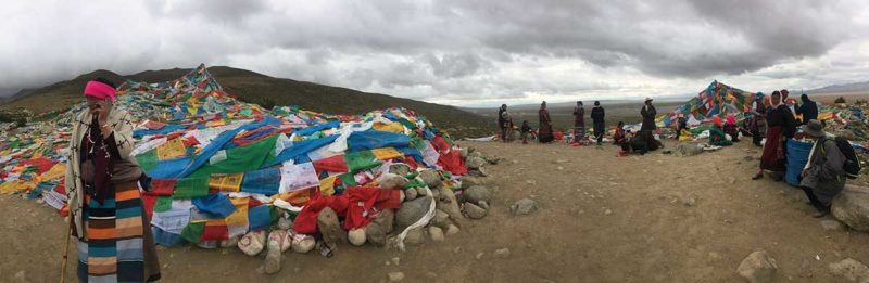 Mount Kailash Videos: Pilgrims in the early stages of the Kailash kora on the first day out of Darchen