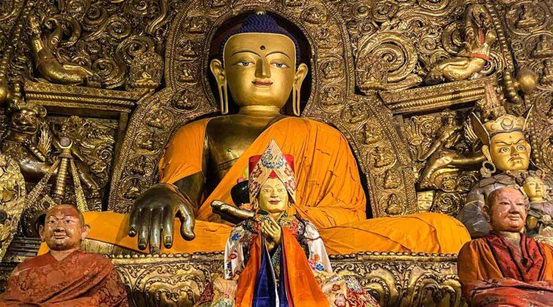 Buddha statue at Sakya monastery
