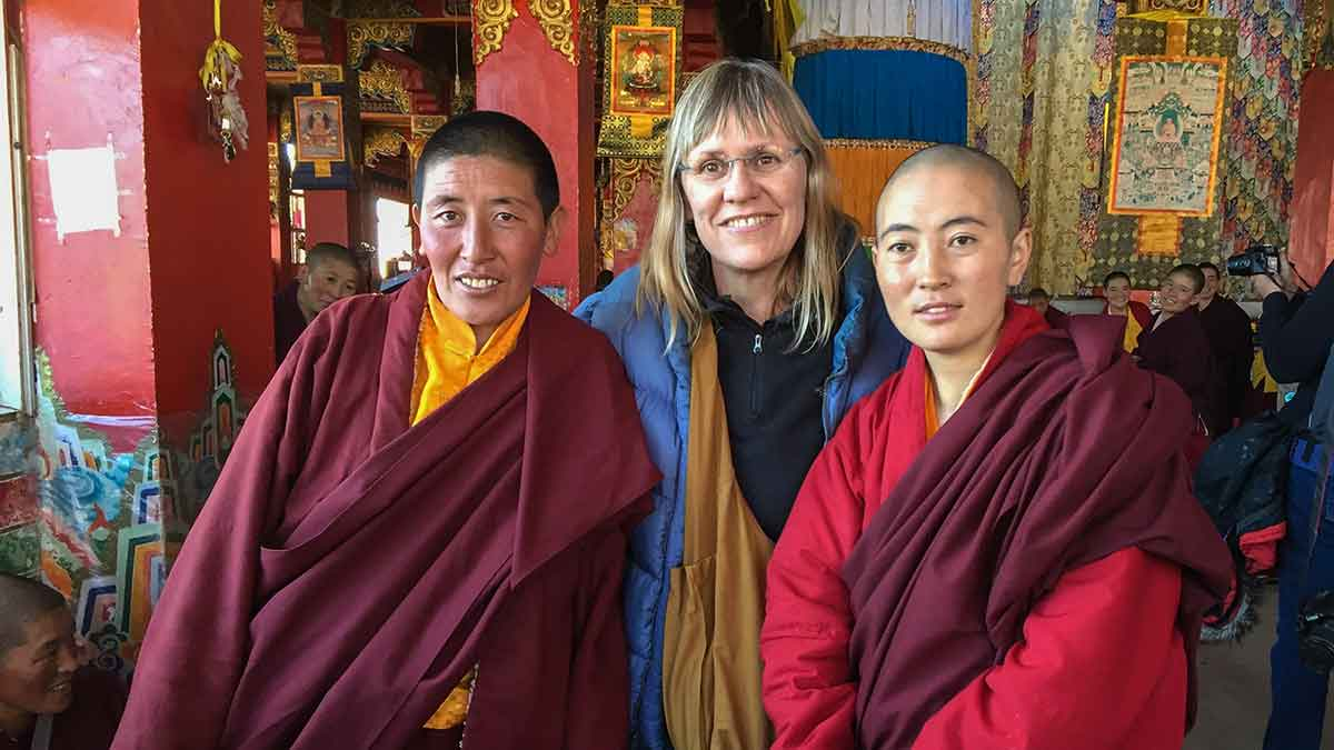 Tibetan nuns with Yolanda: The Altitudes of Places in Tibet