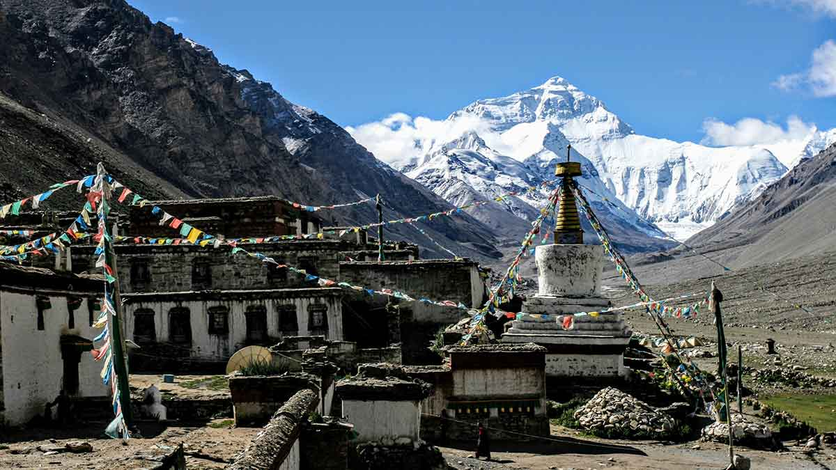 Avoiding altitude sickness: Everest from Everest Base Camp and Rongbuk Monastery