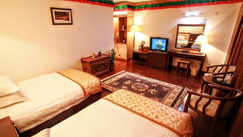 Dekhang Hotel in Lhasa]