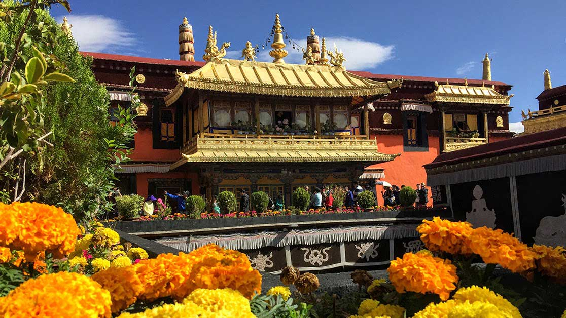 Jokhang Temple Roof with flowers