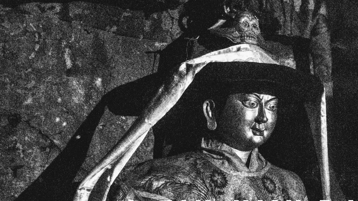 Statue of Tibetan King Lang Darma at Drak Yerpa