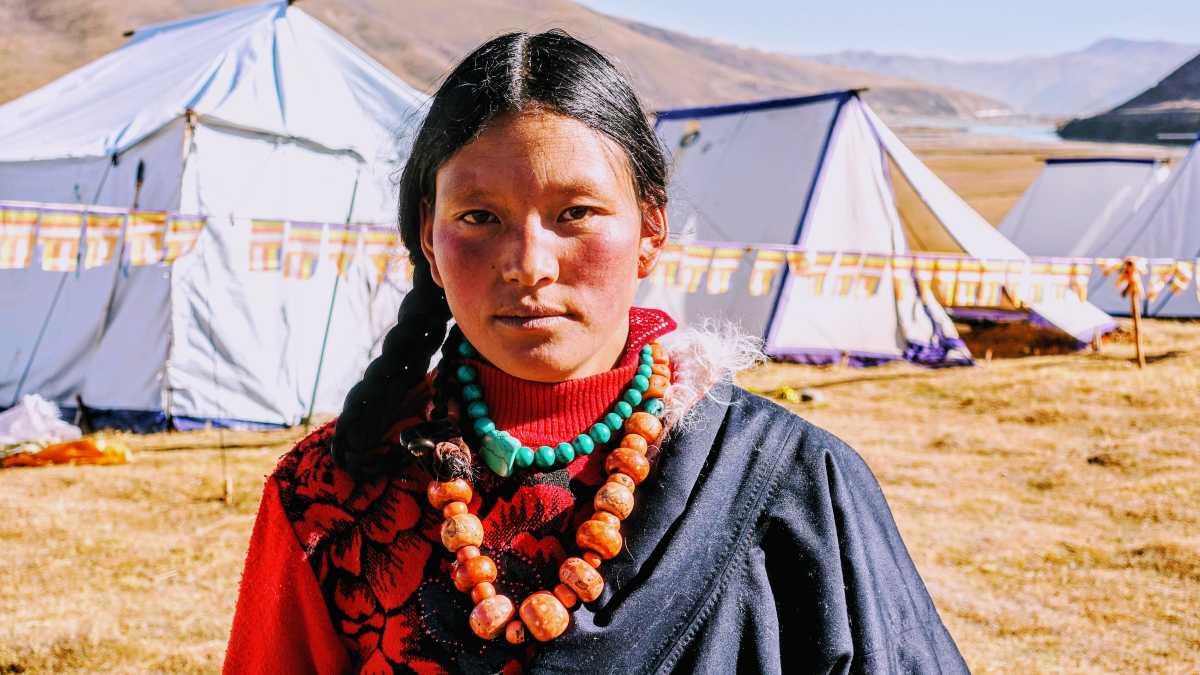 Young Khampa woman in Darlag.