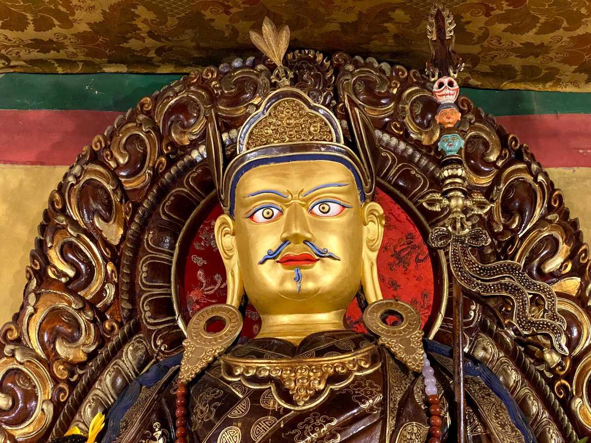 Guru Rinpoche – Padmasambhava at Mindroling in Lhoka Tibet (1)