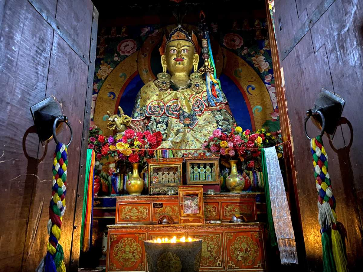 Guru Rinpoche – Padmasambhava at Mindroling in Lhoka Tibet