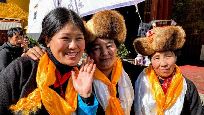 Lhasa ladies at Sera Monastery