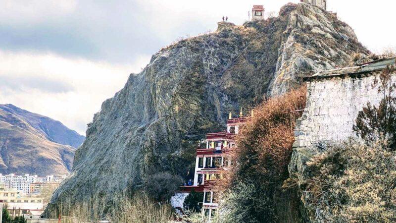 Palubuk on Chakpori near Potala in Lhasa