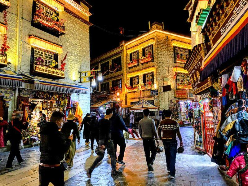 Lhasa Barkhor at night