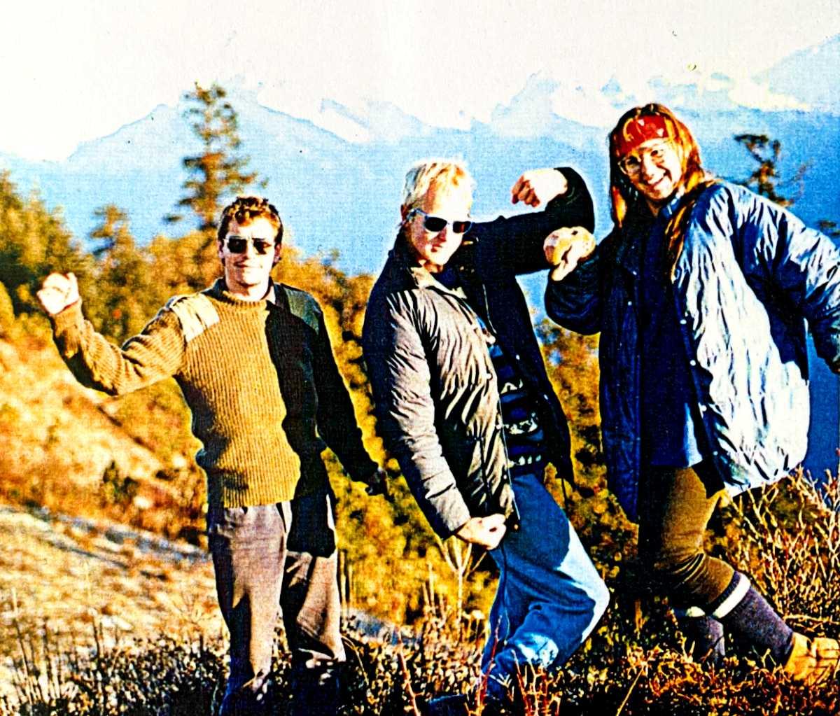Yolanda and Trekking friends on the Anapurna Circuit Nepal
