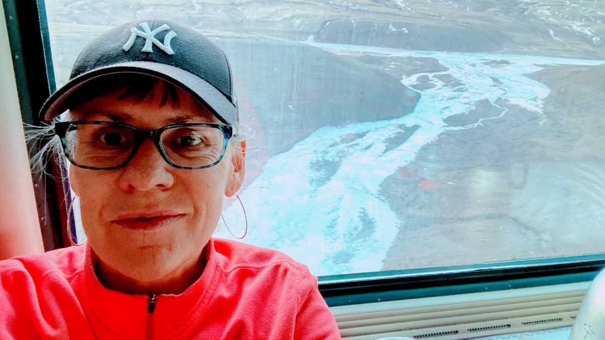 "Yolanda on the Xining to Lhasa ""sky train."" Photo: YoWangdu."