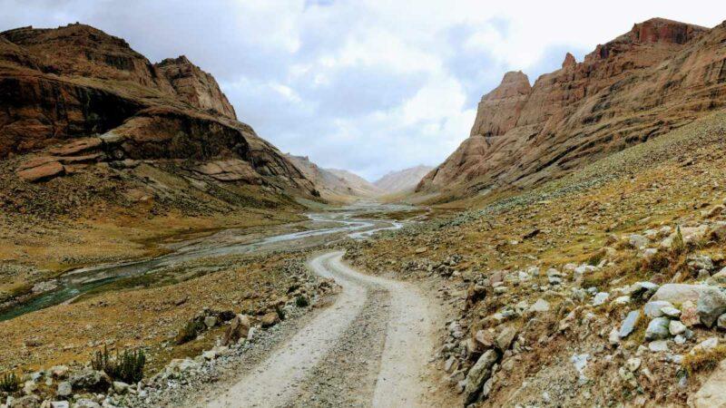 darchen to dirapuk monastery of the Kailash trek